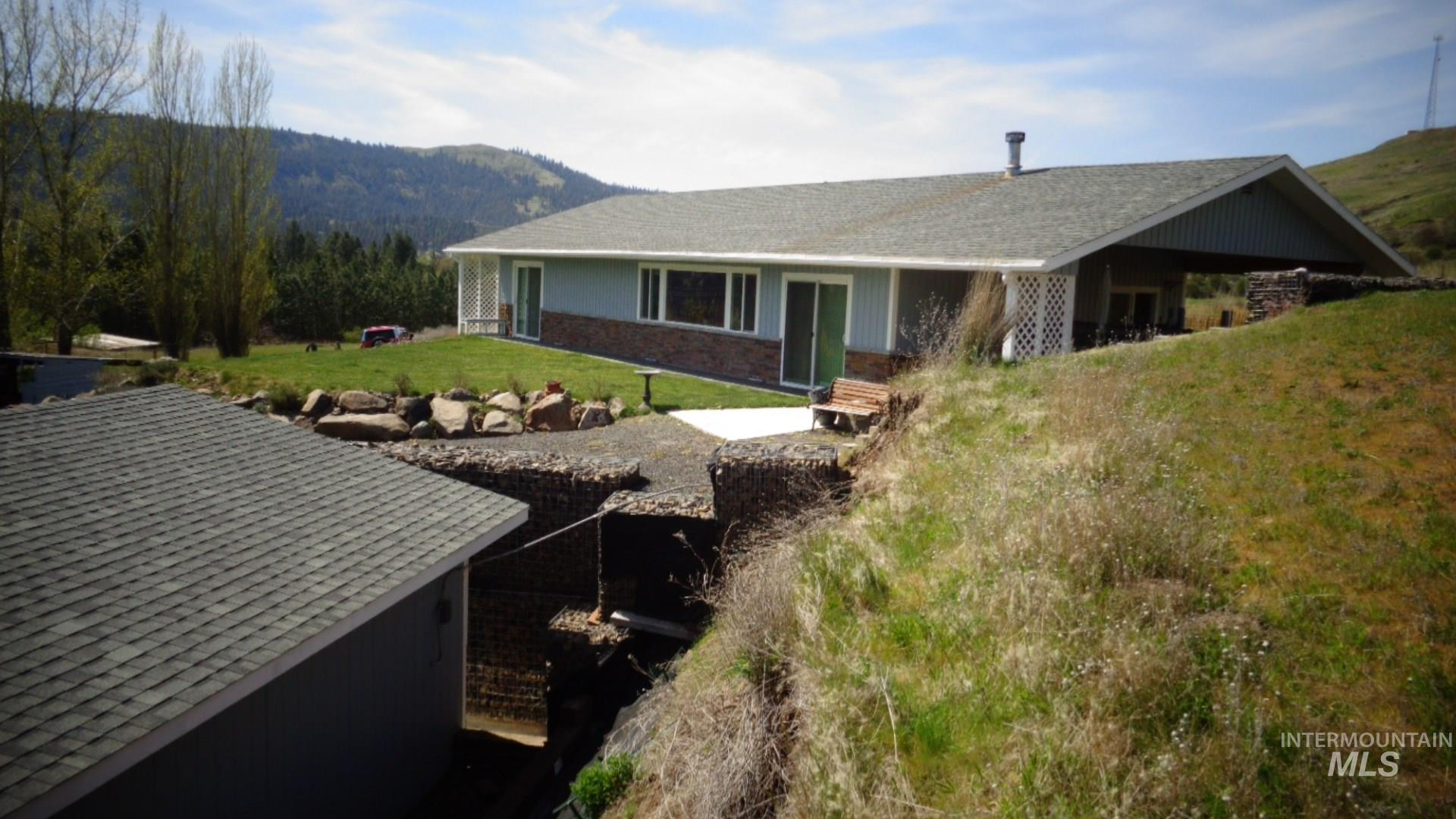 19042 Finch Lane Property Photo - Lenore, ID real estate listing