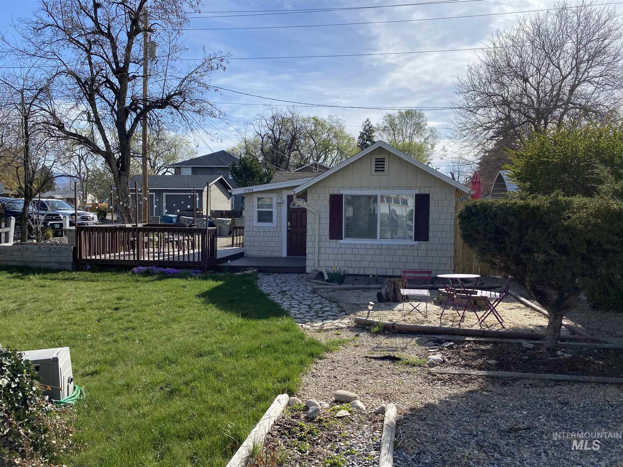 1704 S Vista Ave Property Photo - Boise, ID real estate listing
