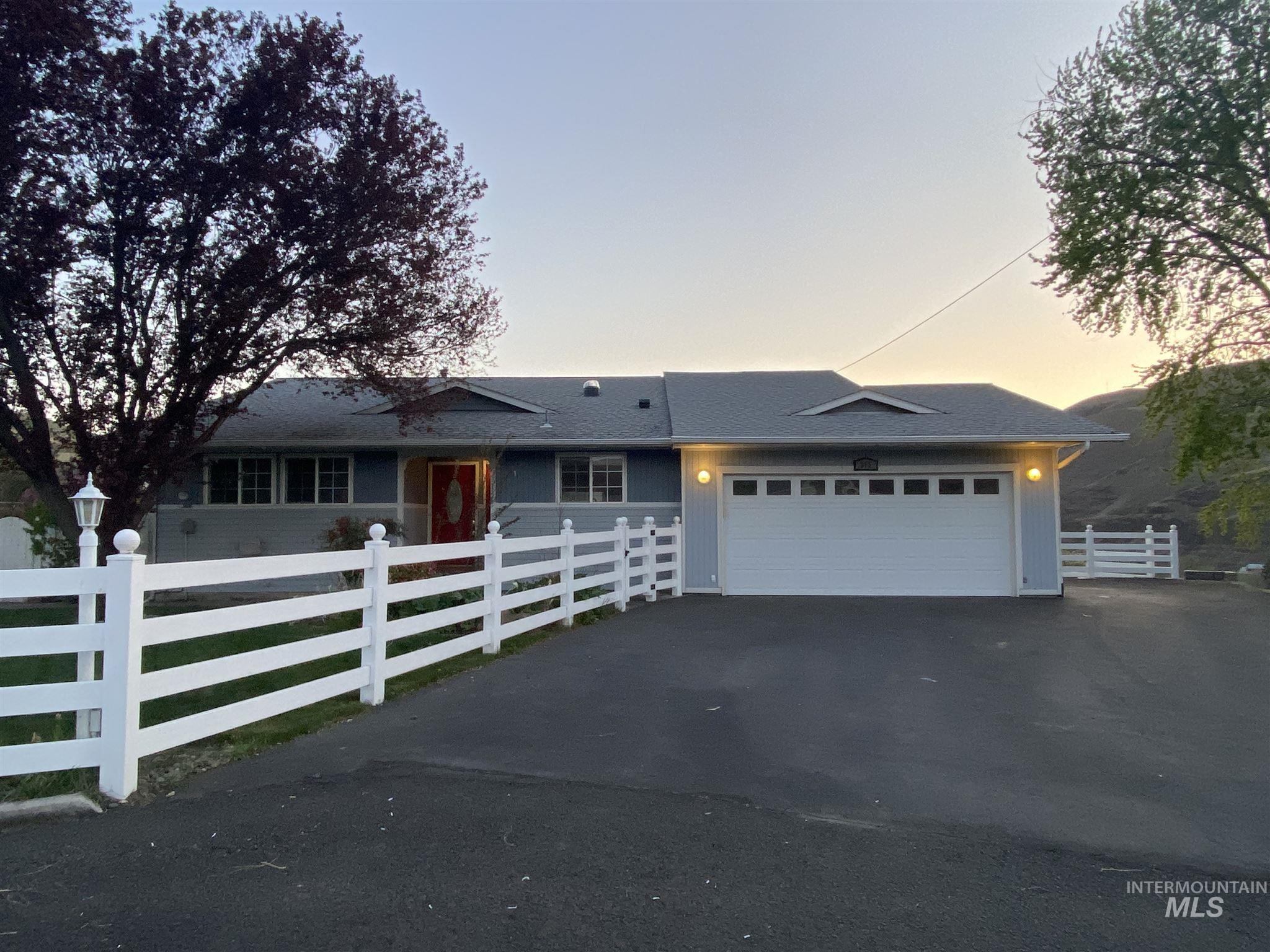 312 4th St. Property Photo - Asotin, WA real estate listing
