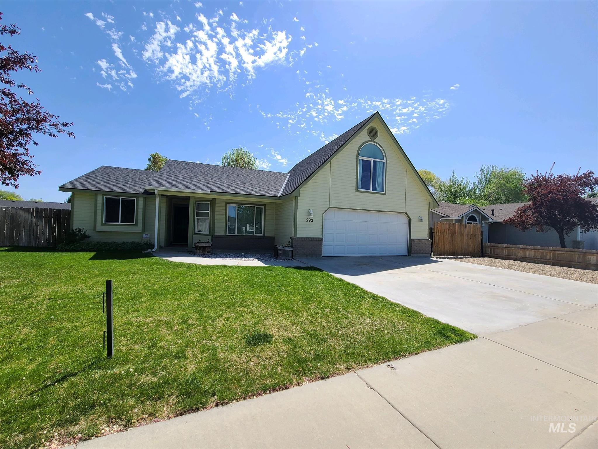 292 PACIFIC Property Photo - Middleton, ID real estate listing