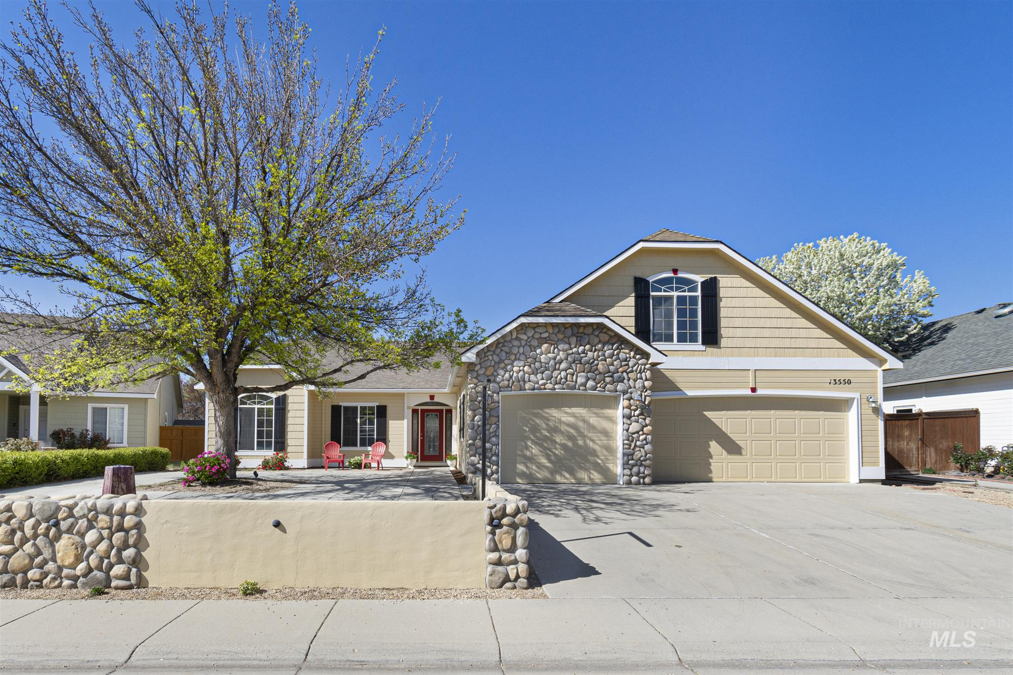 13550 W Waldemar Property Photo - Boise, ID real estate listing