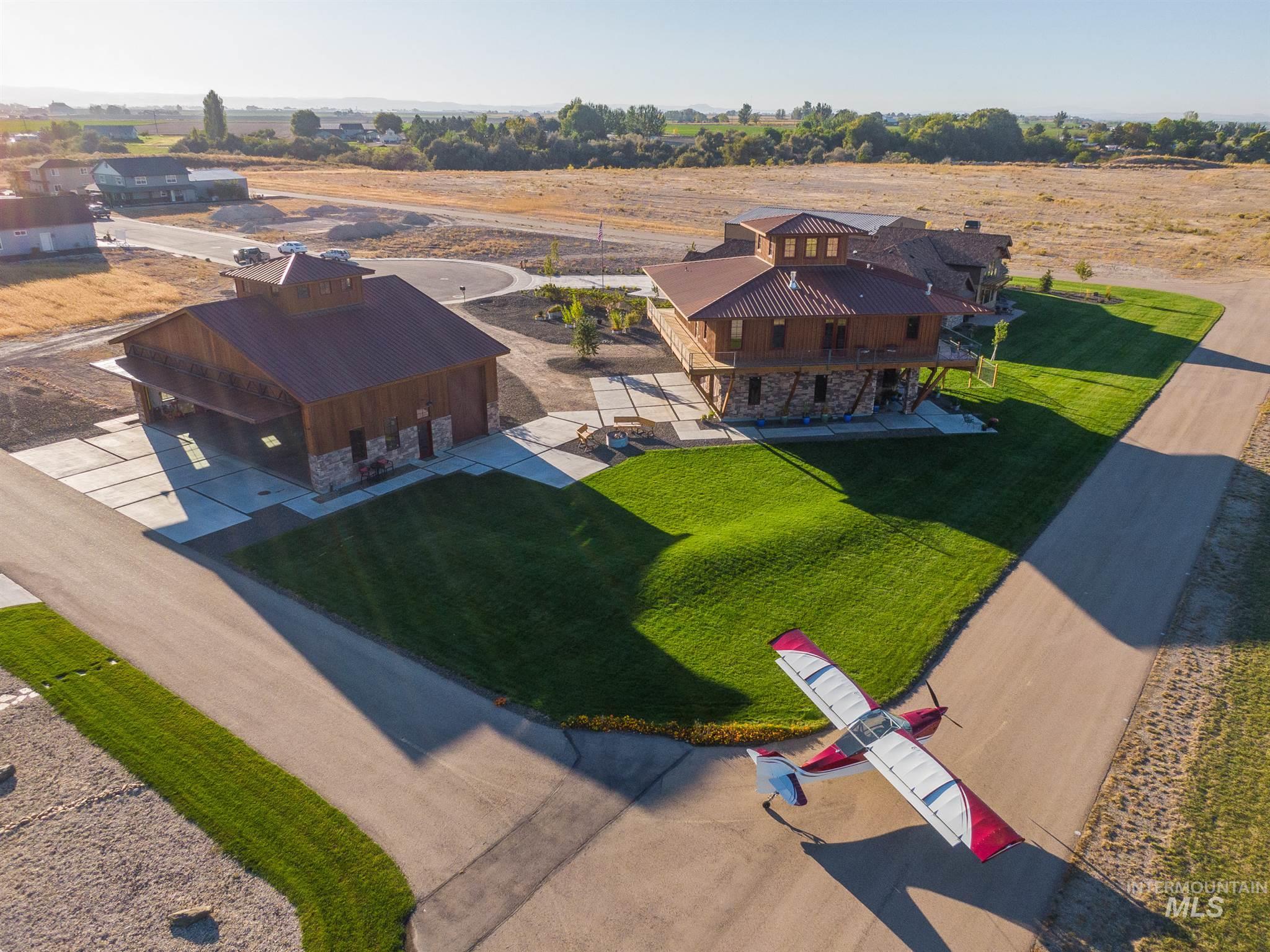 21331 Cessna Ct Property Photo 2