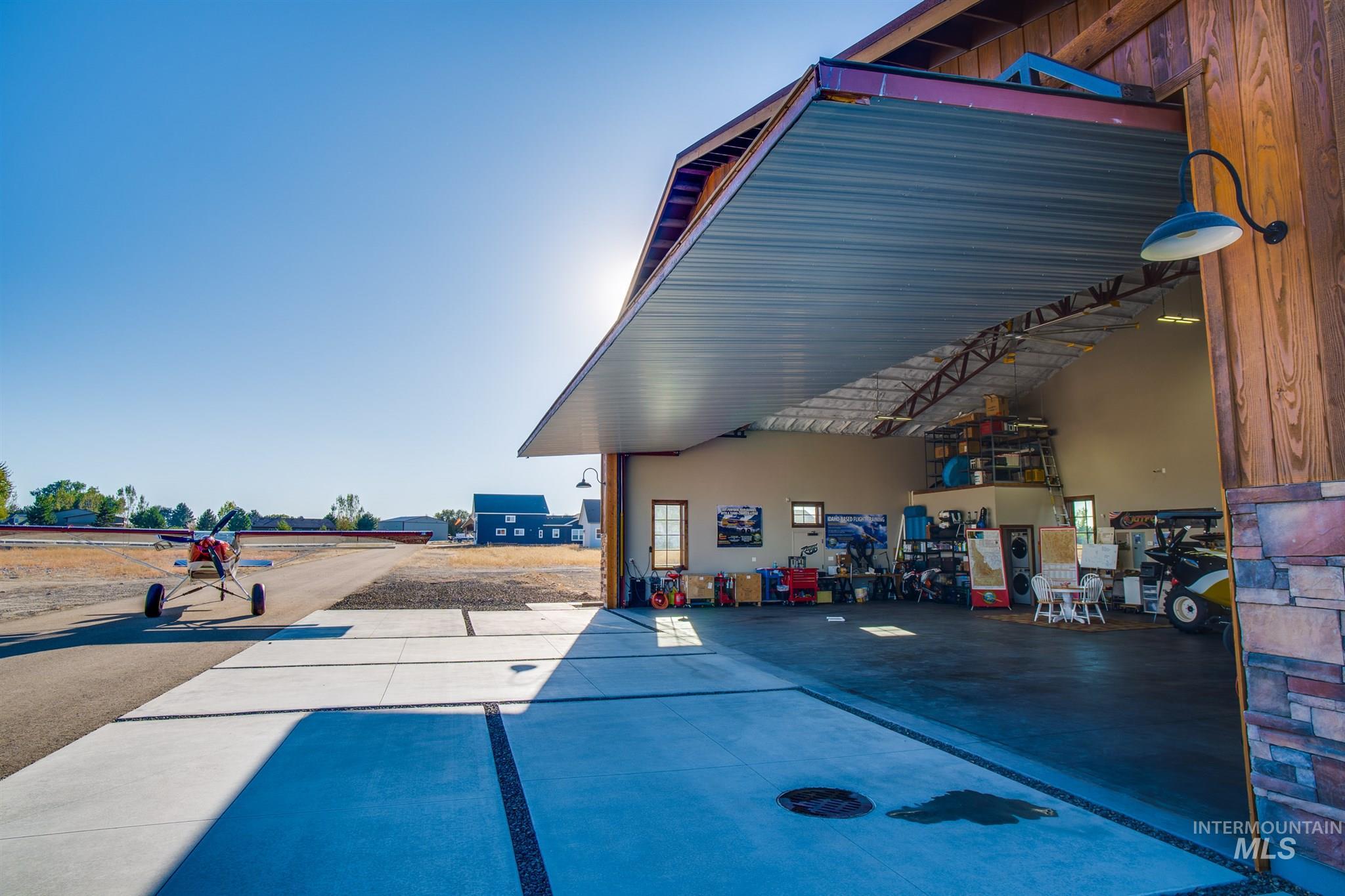 21331 Cessna Ct Property Photo 9