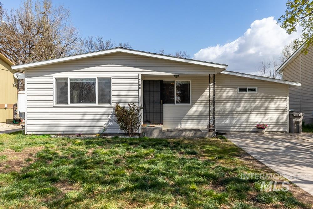 4700 W Willow Ln Property Photo - Boise, ID real estate listing