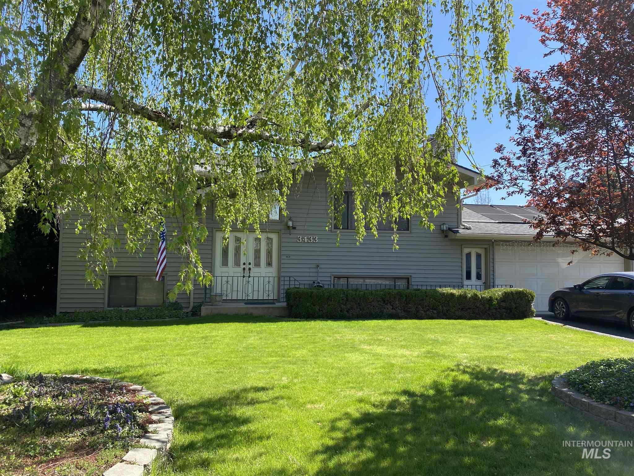3433 7th St Property Photo