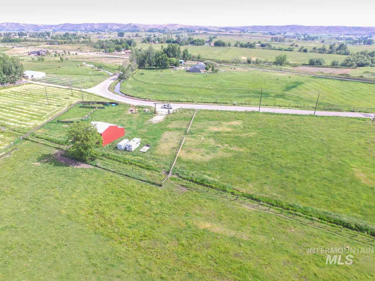 1590 Vanderdasson Road Property Photo