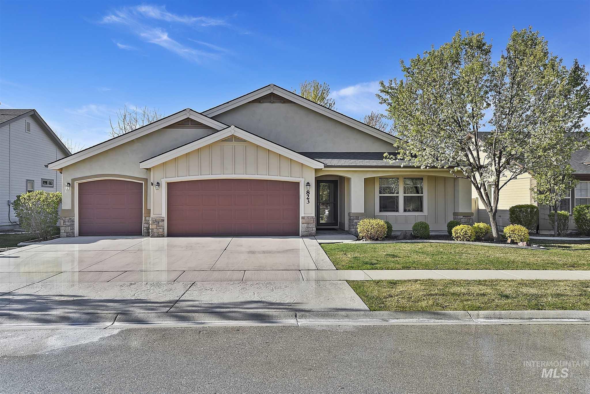 823 E Tallinn Street Property Photo - Meridian, ID real estate listing