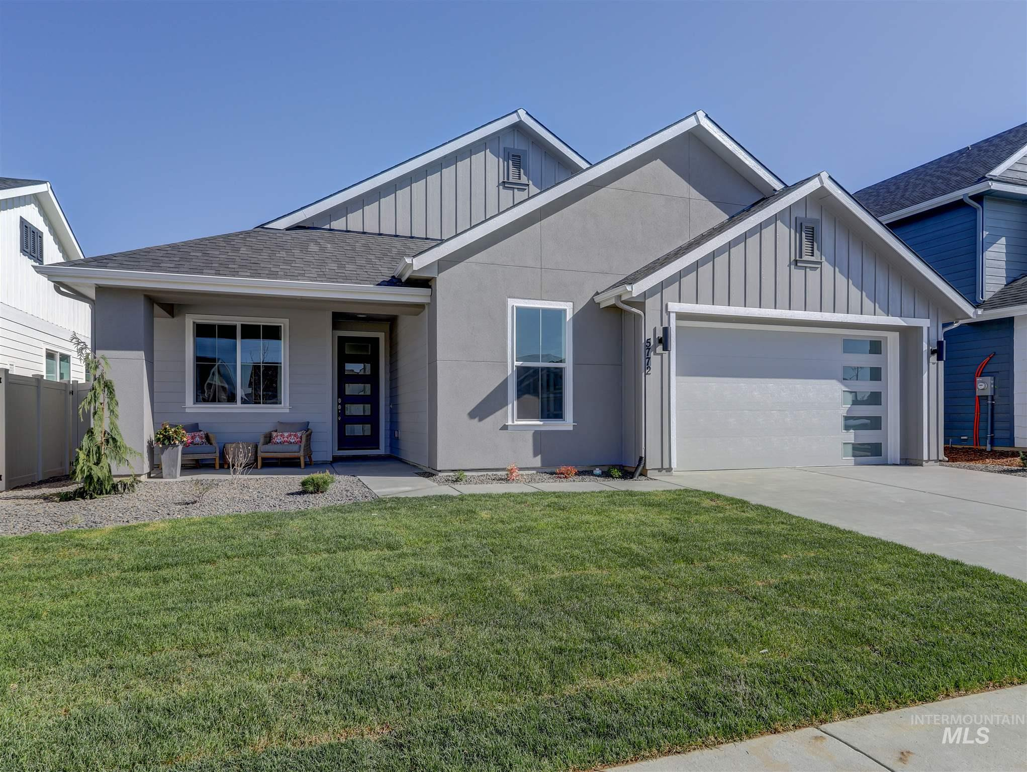 5772 W Riva Capri St Property Photo - Meridian, ID real estate listing