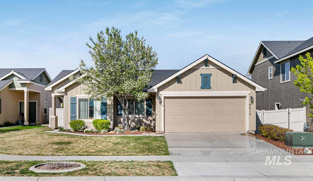 4613 N Willowside Ave Property Photo - Meridian, ID real estate listing