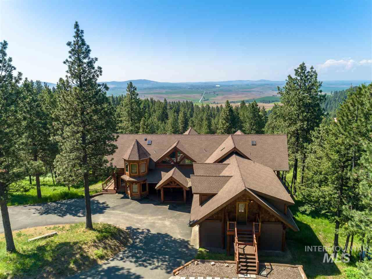 1050 Greenview Lane Property Photo - Moscow, ID real estate listing