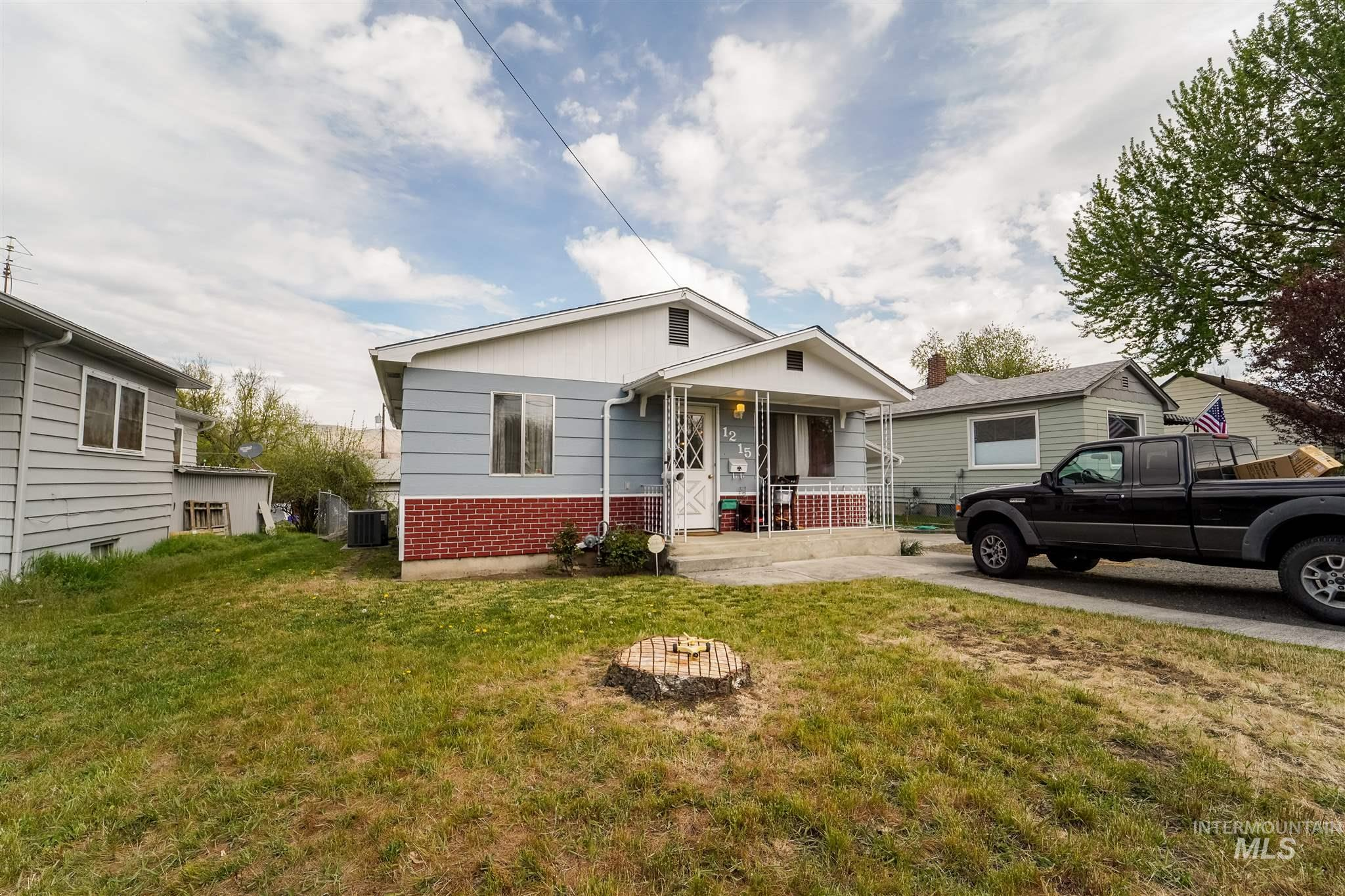 1215 N St Property Photo - Lewiston, ID real estate listing