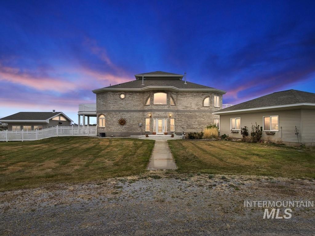 512 Mahard Drive Property Photo 1