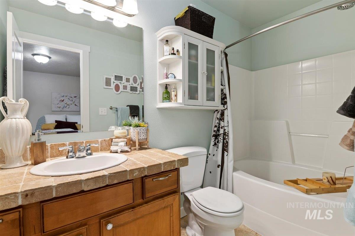 4004 W Hearst St Property Photo - Meridian, ID real estate listing