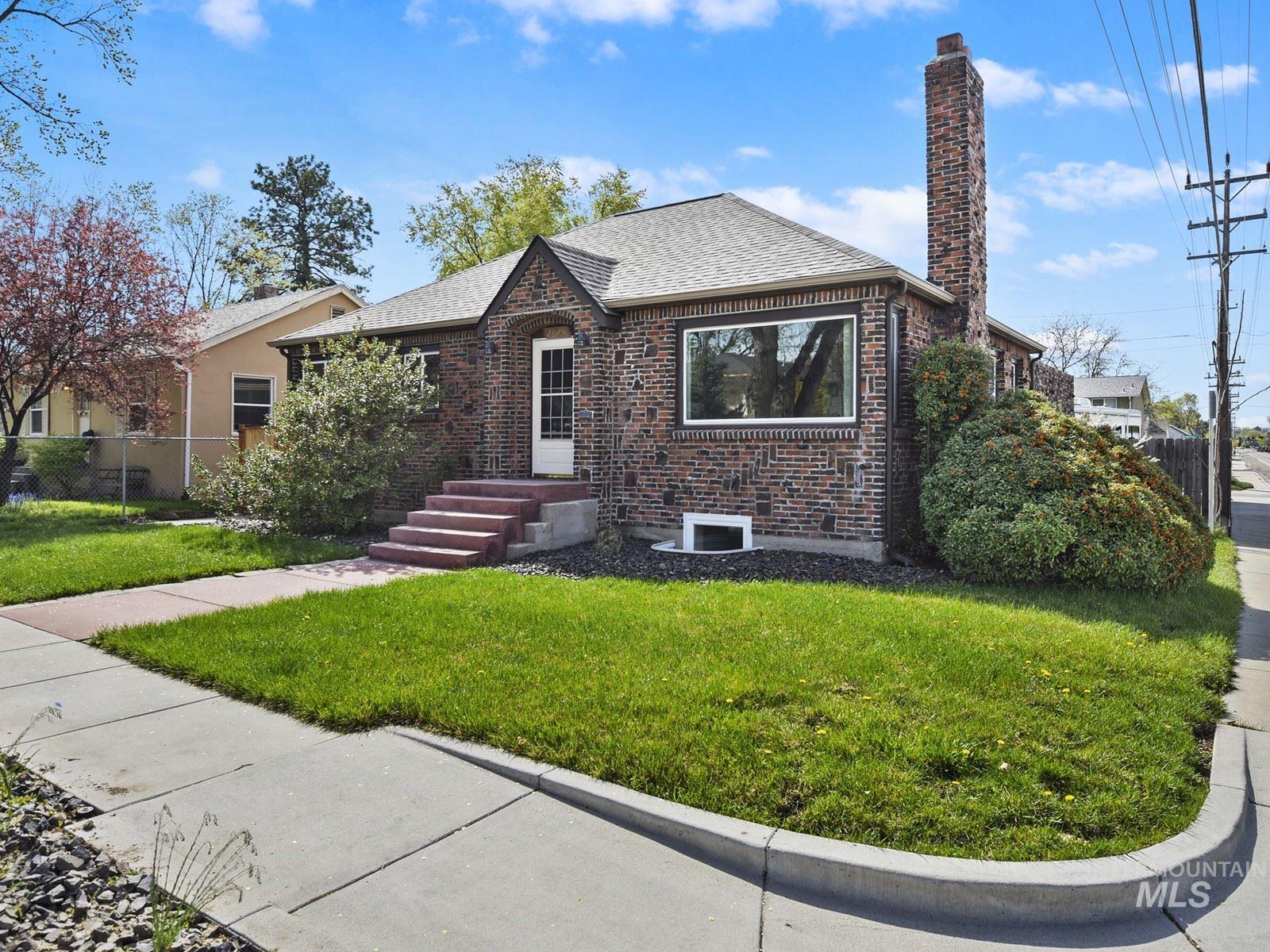 2625 W Regan Property Photo 1