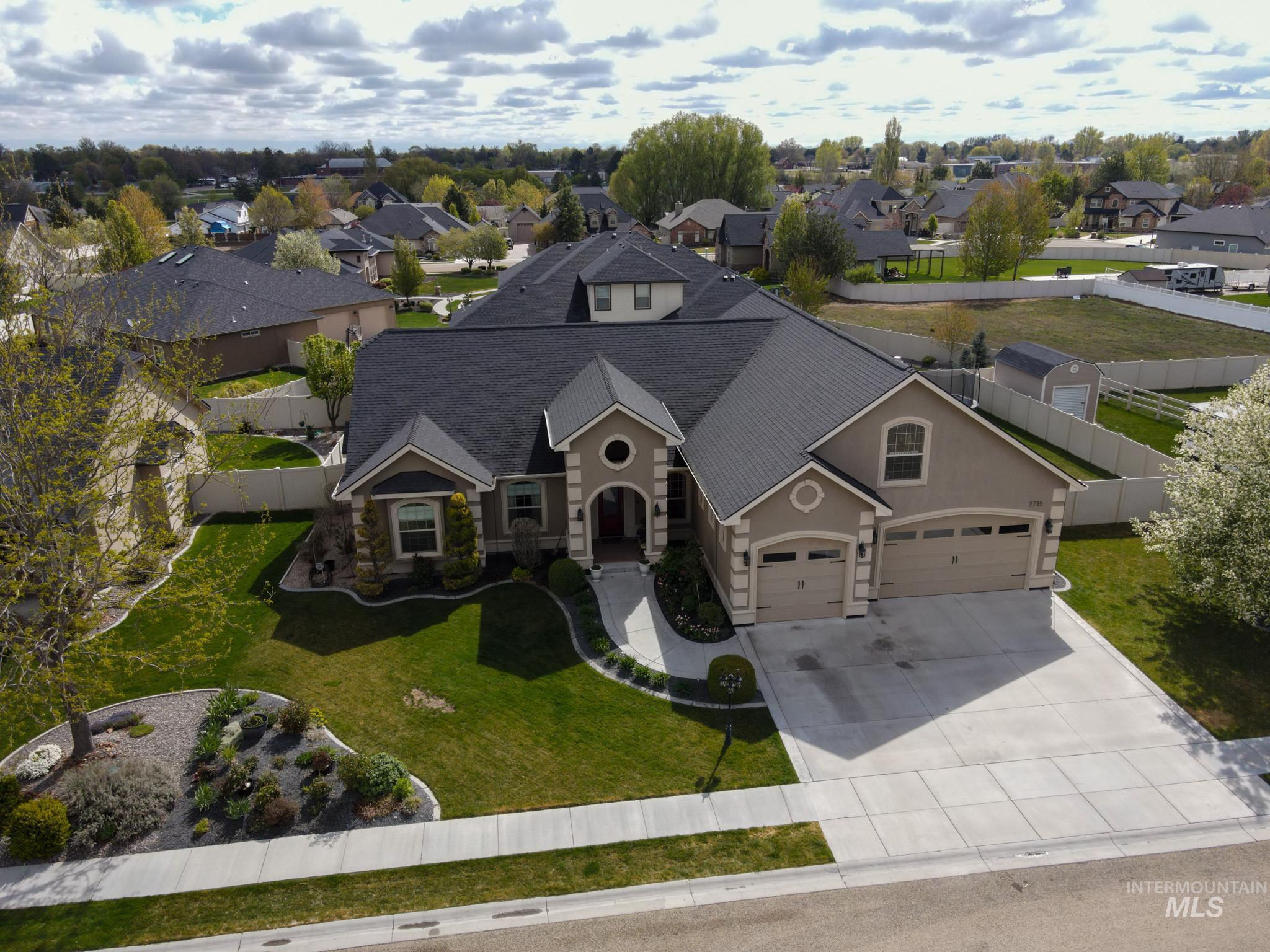 2715 Aspen Falls Avenue Property Photo
