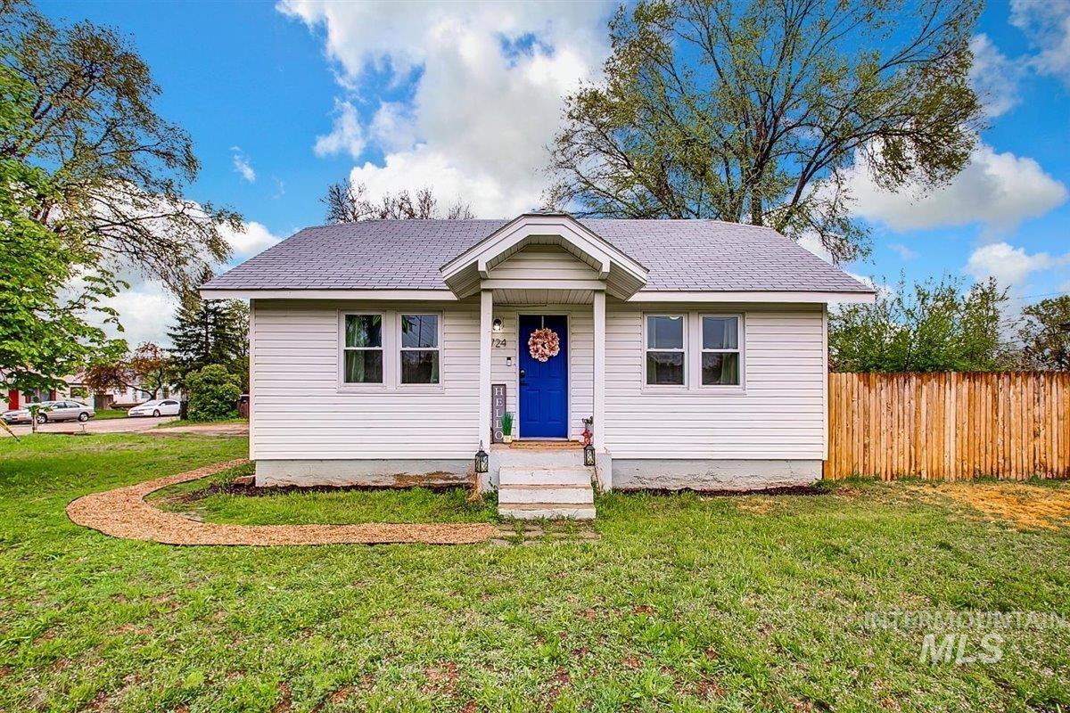 724 Chestnut St Property Photo - Nampa, ID real estate listing