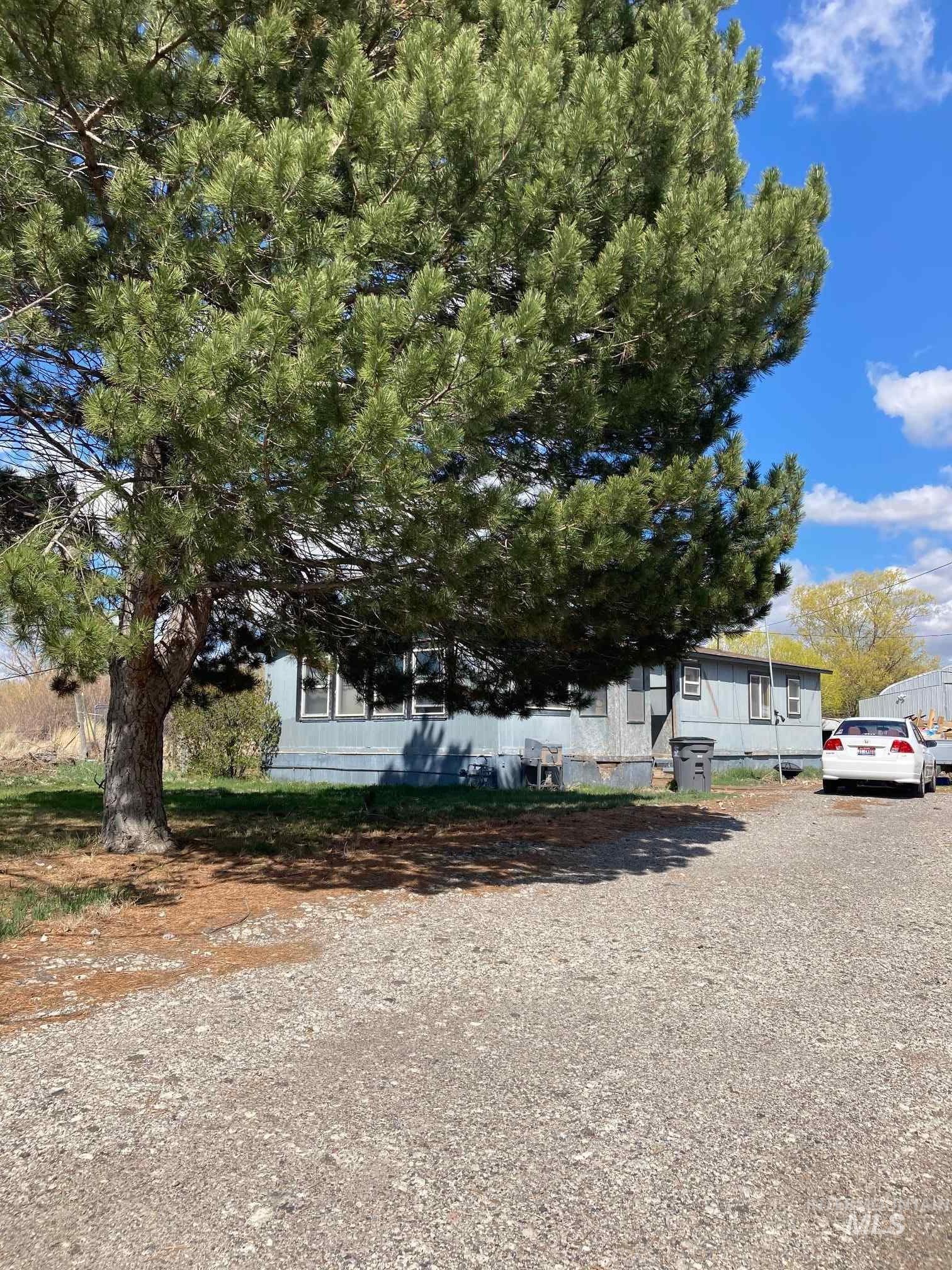 404 Spruce Street Property Photo 1