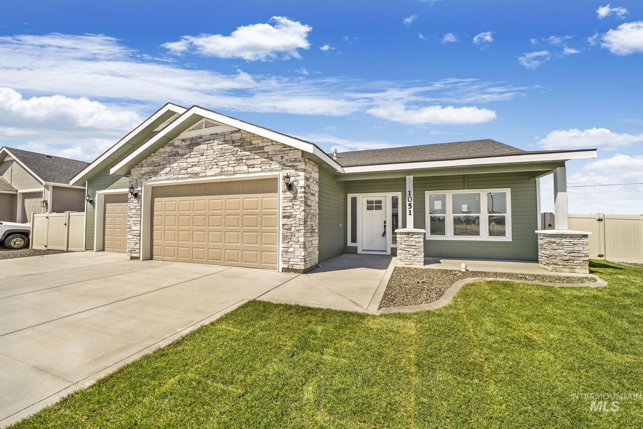 1051 Kenbrook Loop Property Photo 1