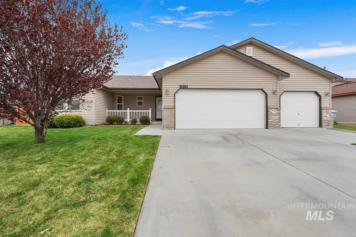1298 NW Withrow Court Property Photo - Mountain Home, ID real estate listing