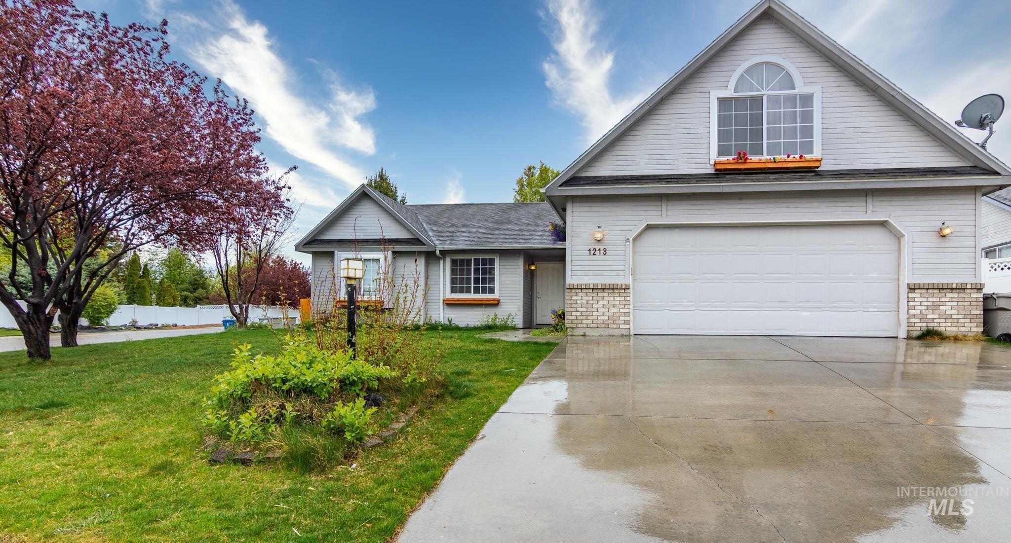 1213 E Desert View Way Property Photo - Nampa, ID real estate listing