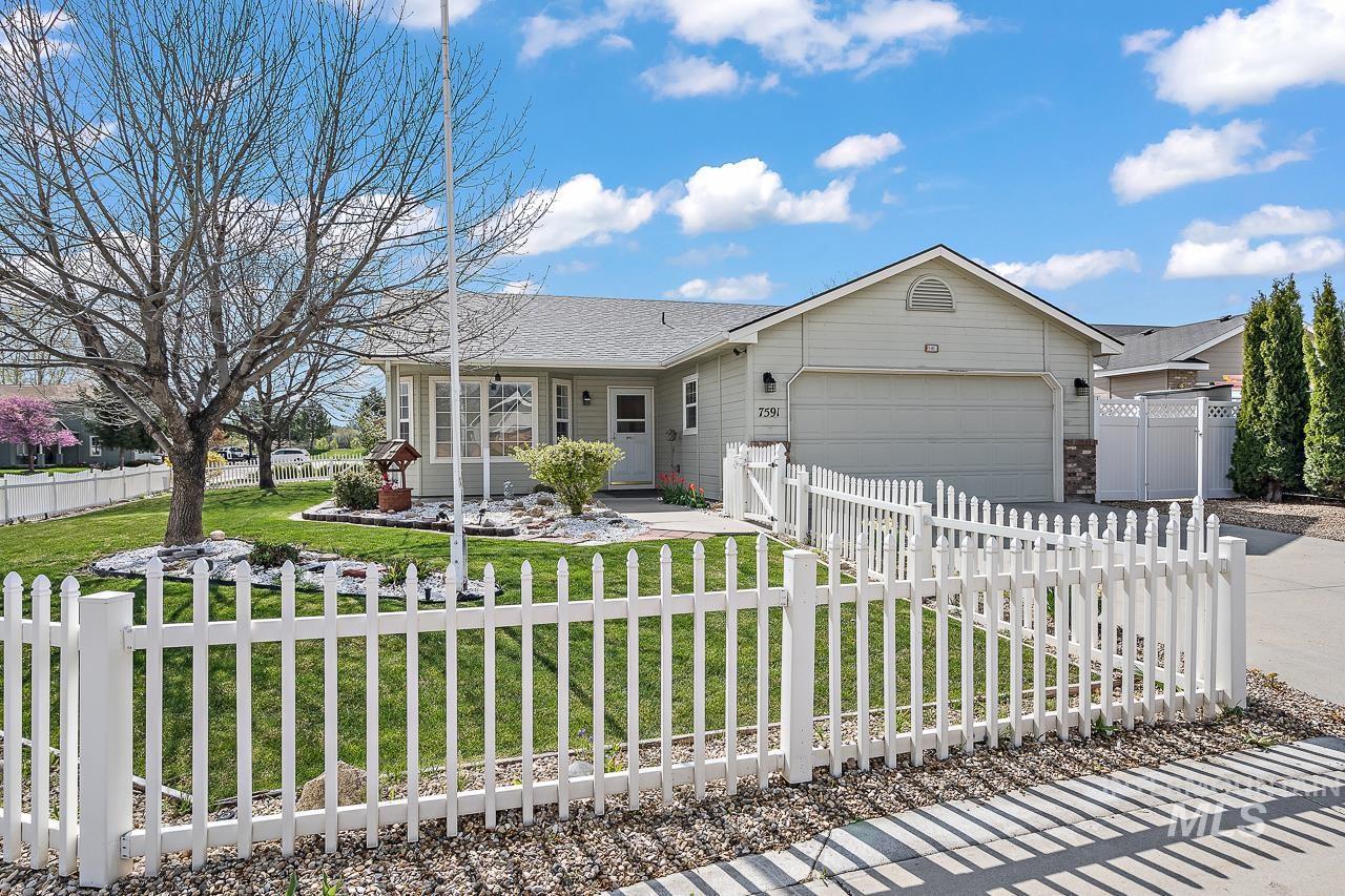7591 Bridgeport Drive Property Photo - Nampa, ID real estate listing