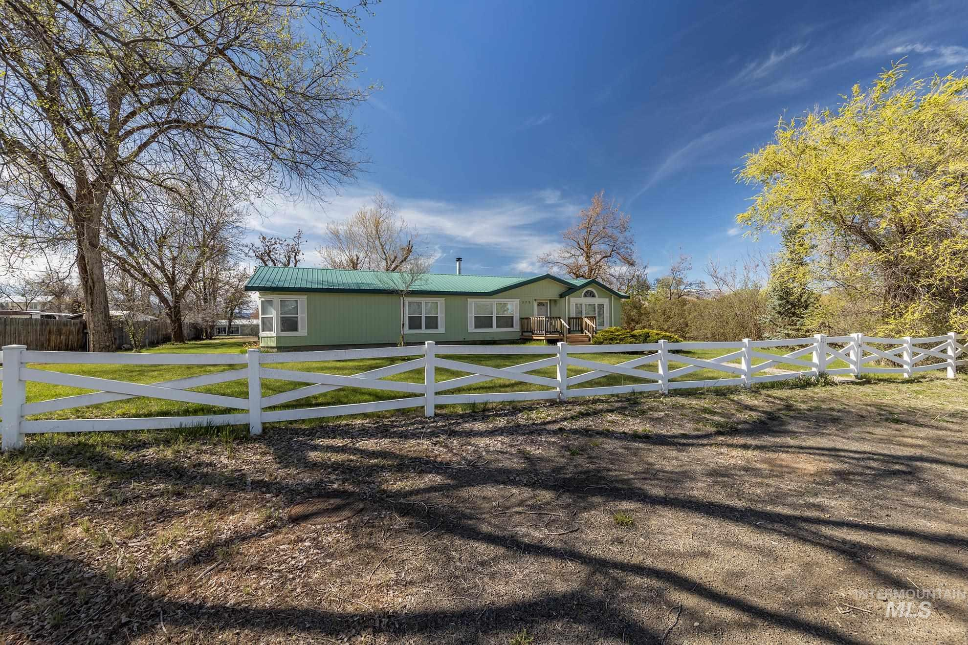 275 N Superior Property Photo - Cambridge, ID real estate listing