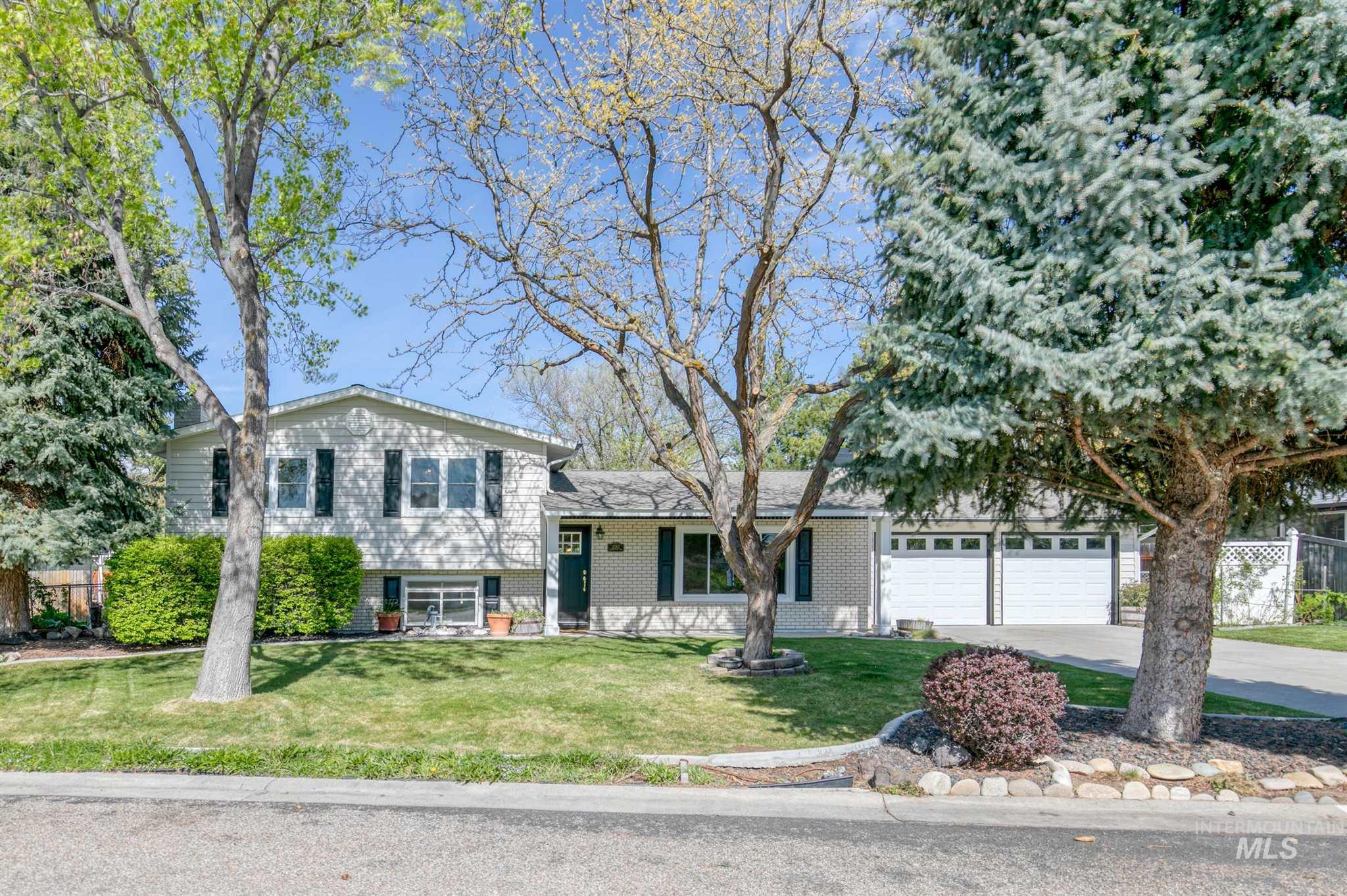 2282 S Ridgeview Property Photo - Boise, ID real estate listing