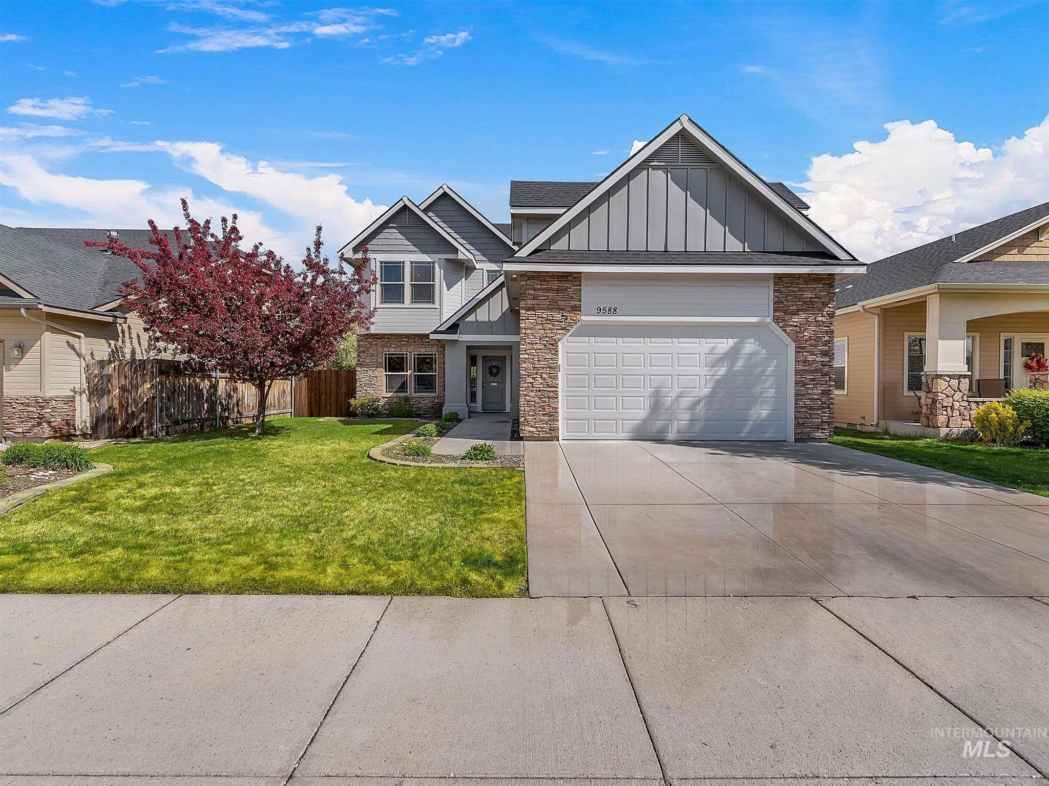 9588 W Blue Meadows St Property Photo - Boise, ID real estate listing