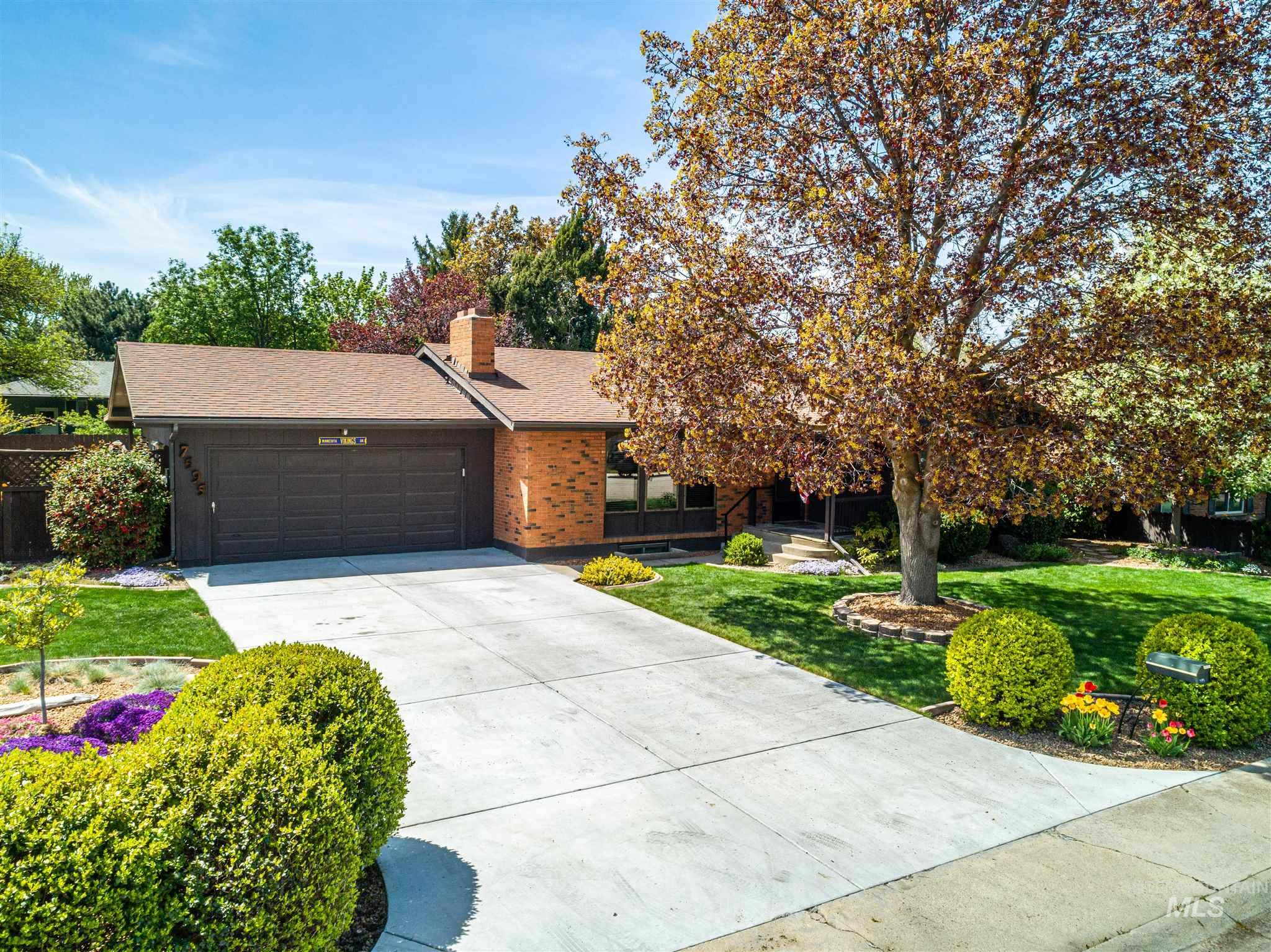 7595 W MANORWOOD DR Property Photo - Boise, ID real estate listing