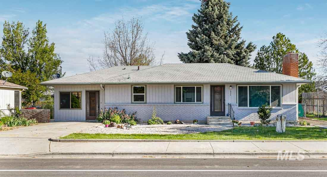 632 W Pine Ave Property Photo - Meridian, ID real estate listing