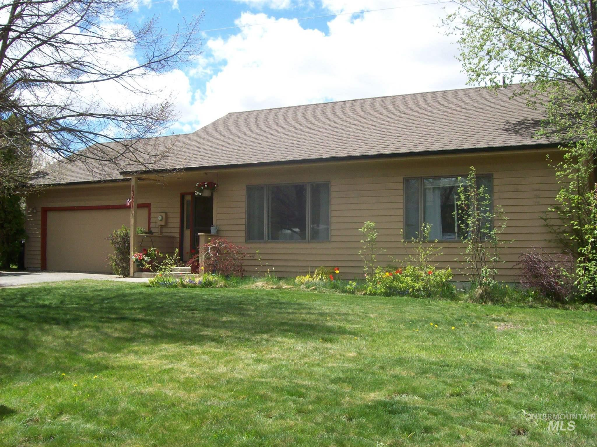 1321 Pine Cone Road Property Photo - Moscow, ID real estate listing
