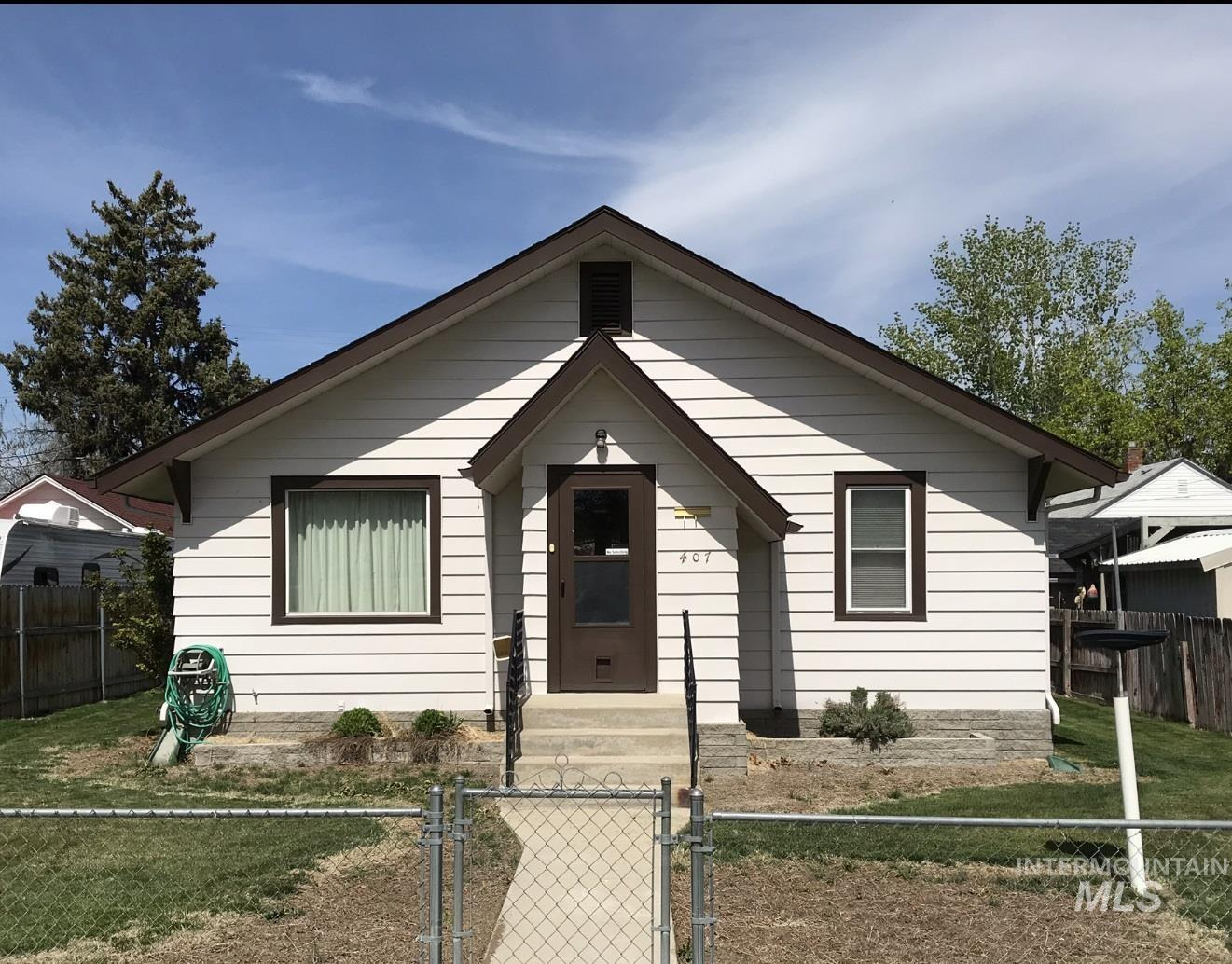 407 21st Ave S Property Photo - Nampa, ID real estate listing