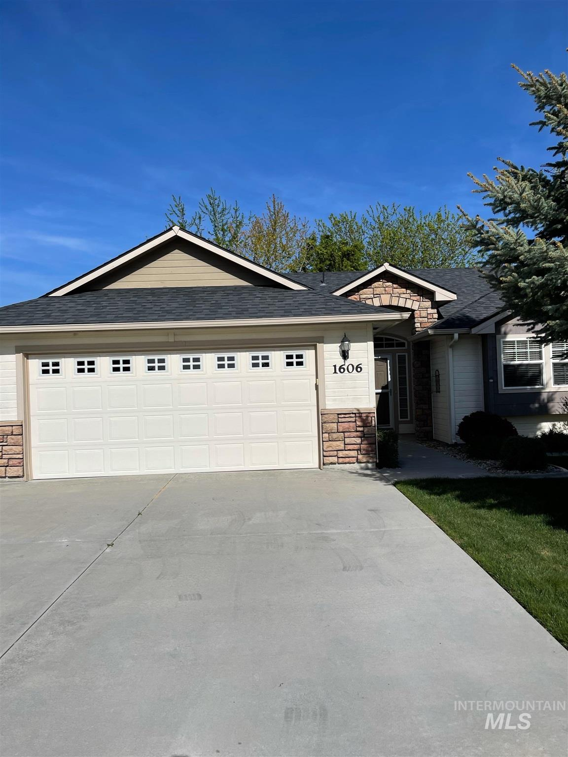 1606 S Clan Place Property Photo - Nampa, ID real estate listing