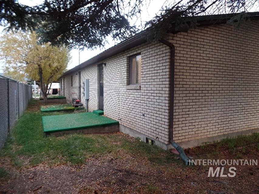 66 S Main Property Photo 6