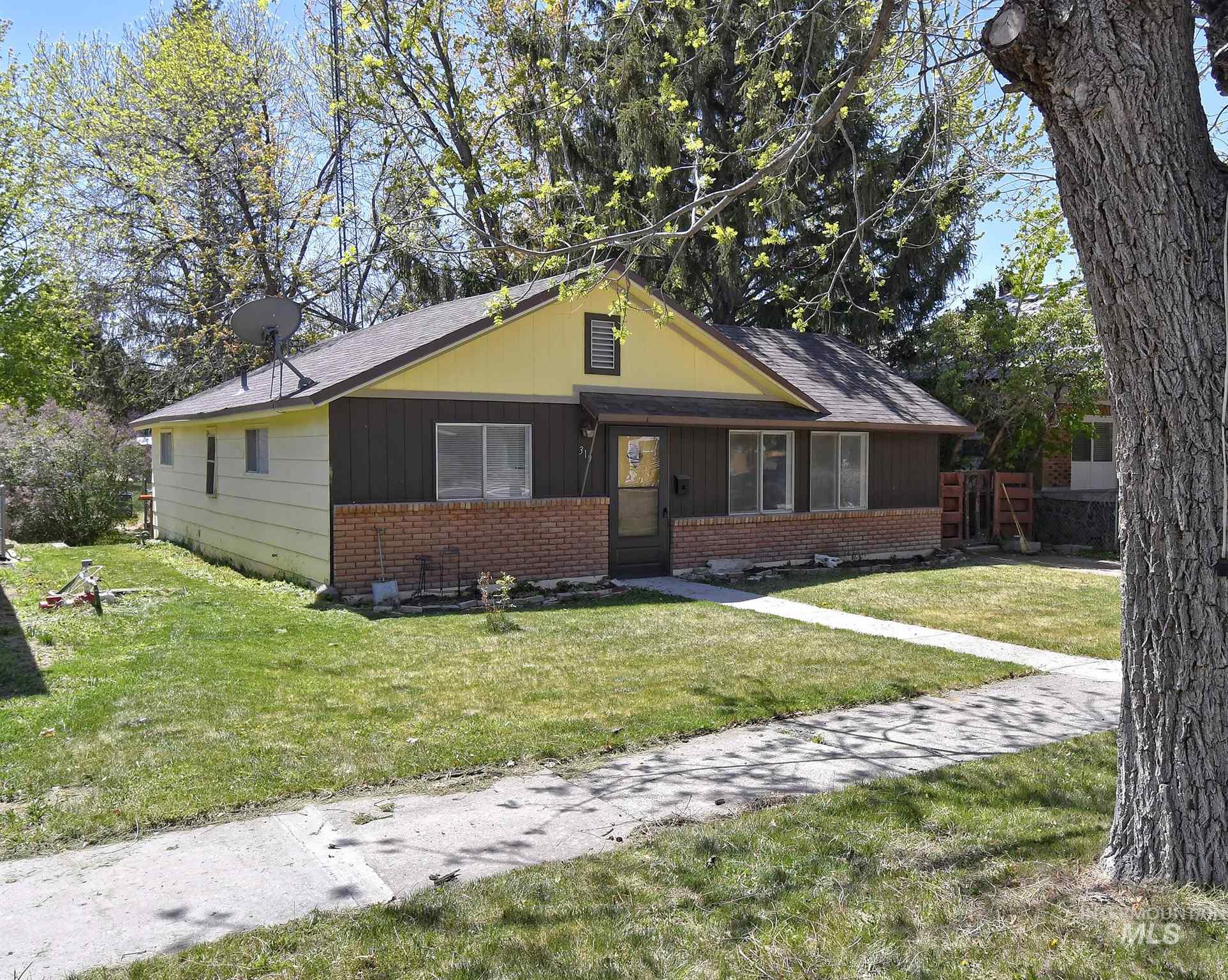 319 E Ave D Property Photo - Jerome, ID real estate listing