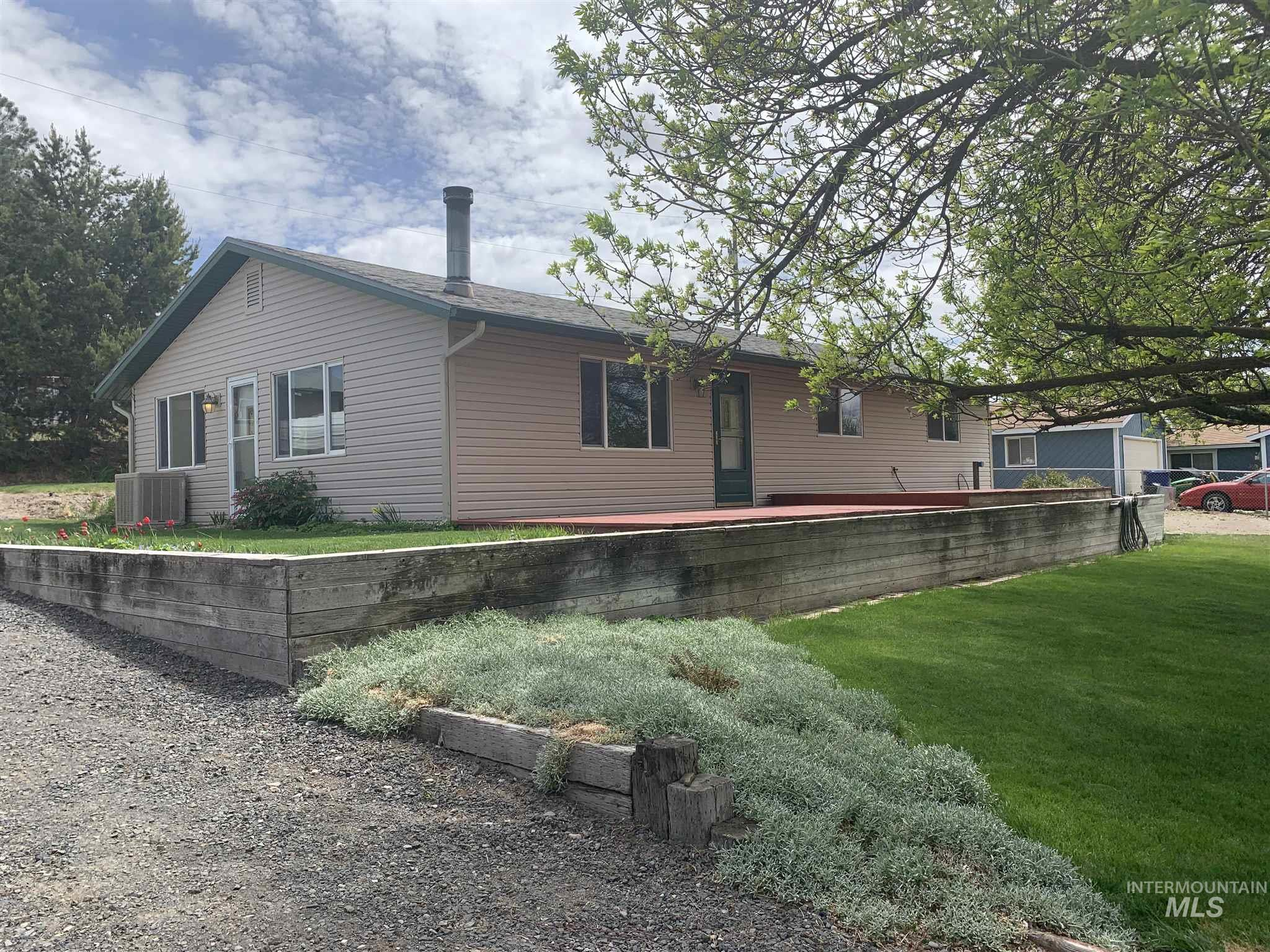 2 Silverado Lane Property Photo - Hagerman, ID real estate listing