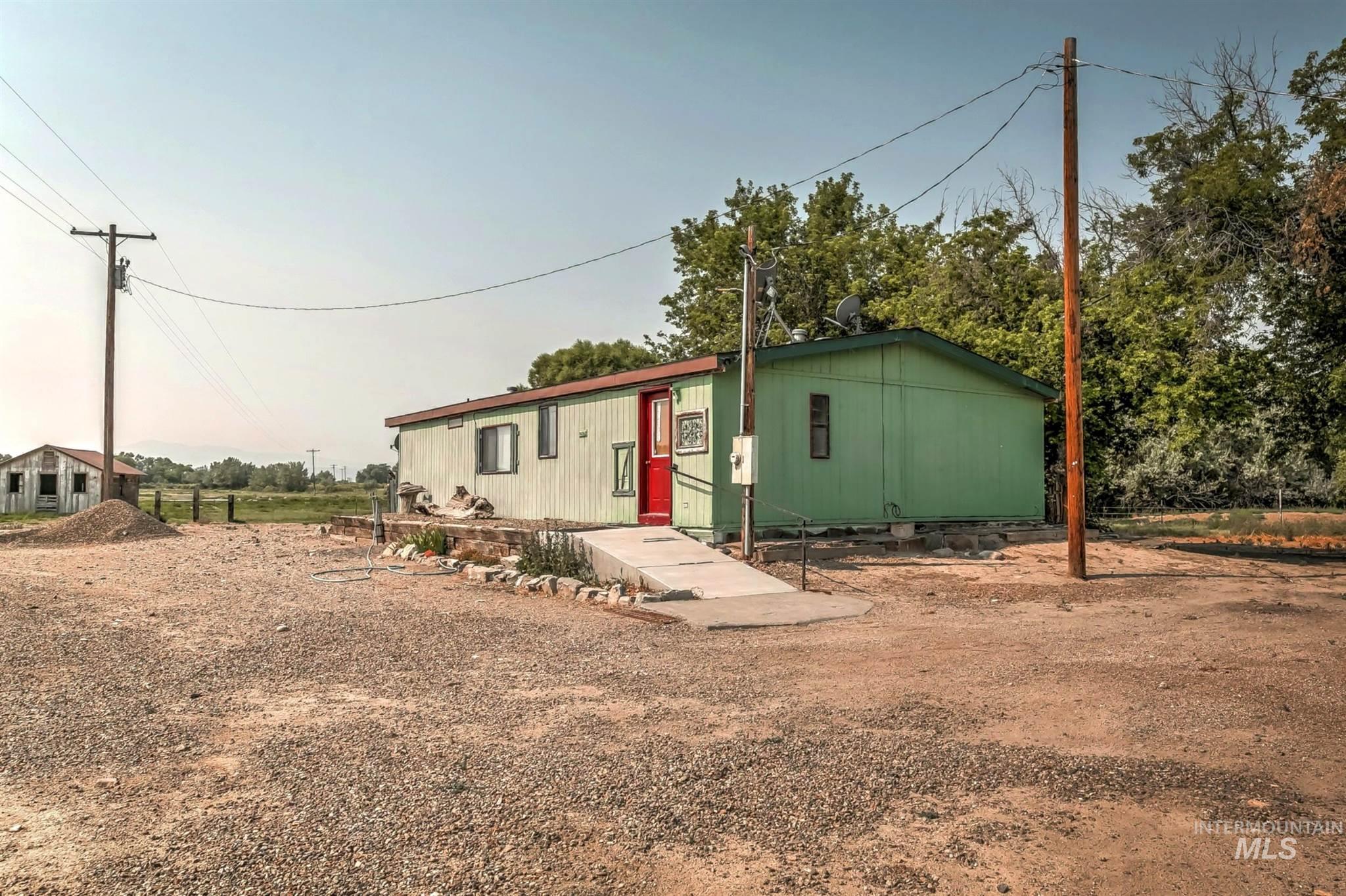 20726 Oreana Loop Rd Property Photo 28