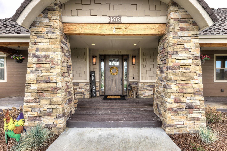 Eagle Hills Real Estate Listings Main Image