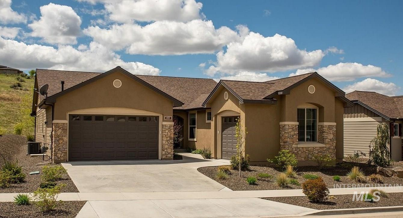 5157 W White Hills Dr Property Photo - Boise, ID real estate listing
