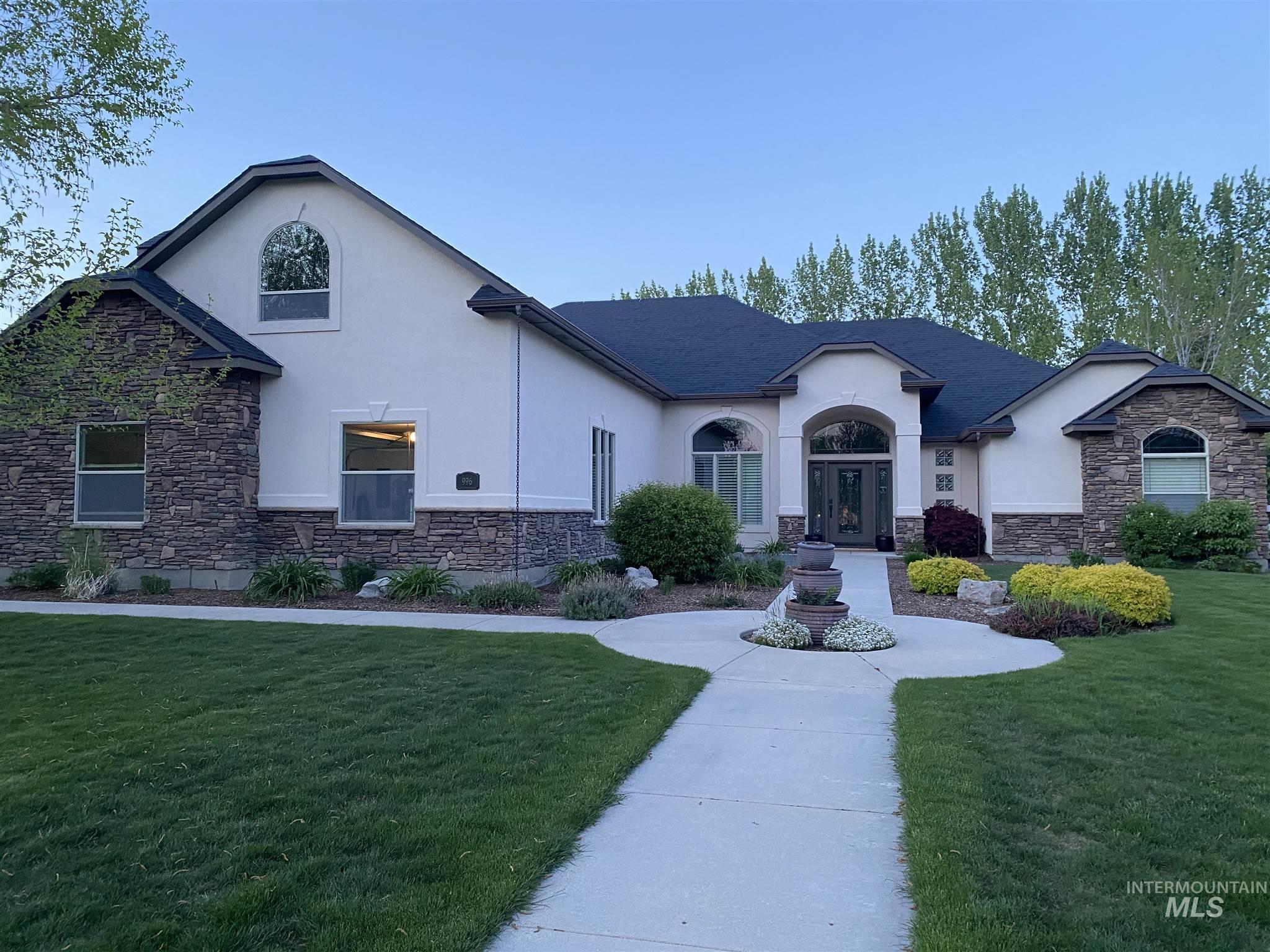 996 N Woodstream Pl Property Photo - Eagle, ID real estate listing