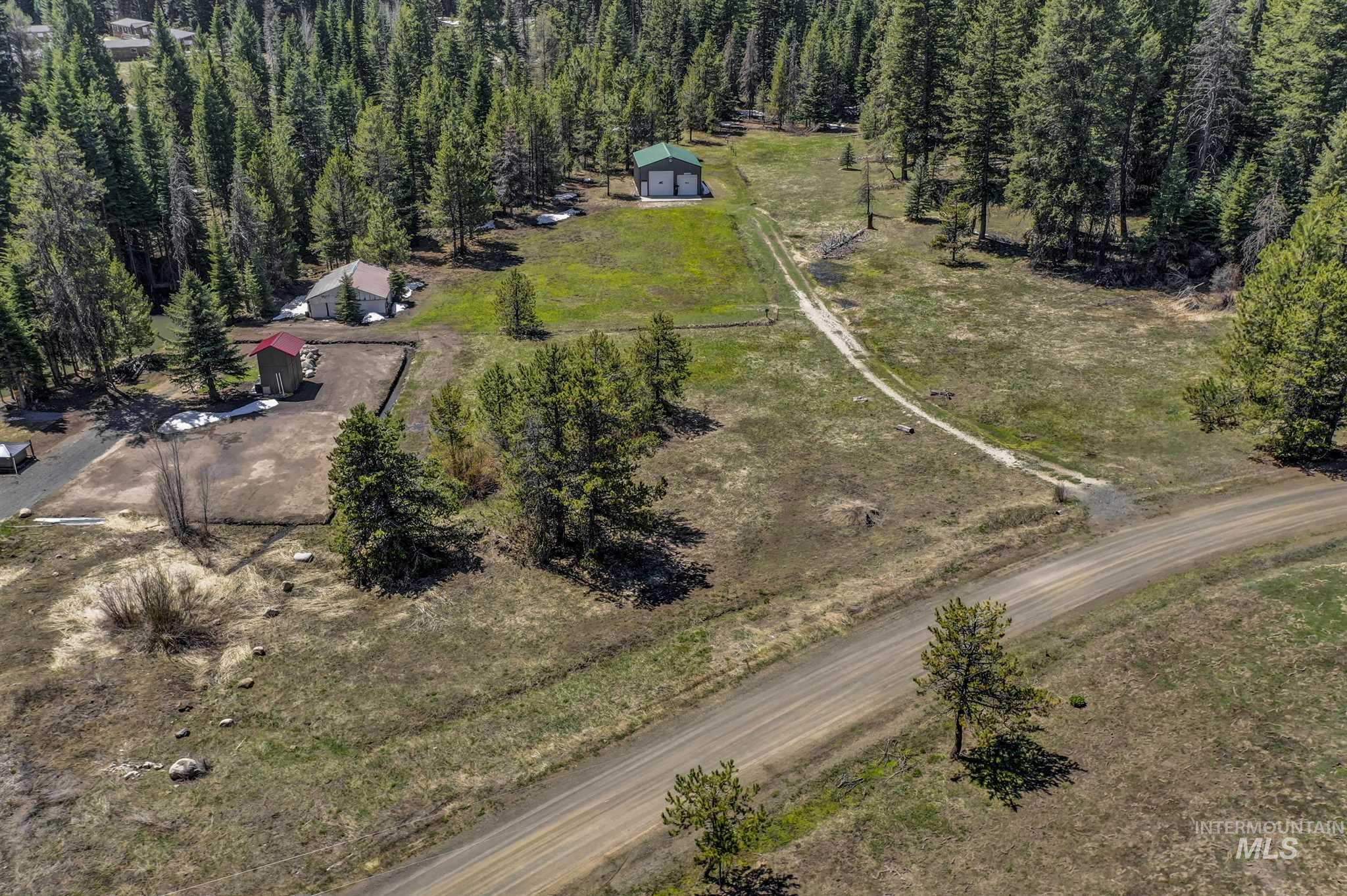 15 Royal LN Property Photo - Donnelly, ID real estate listing
