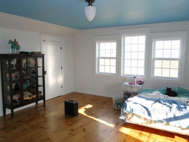 1015 White Pine Flats Property Photo 7