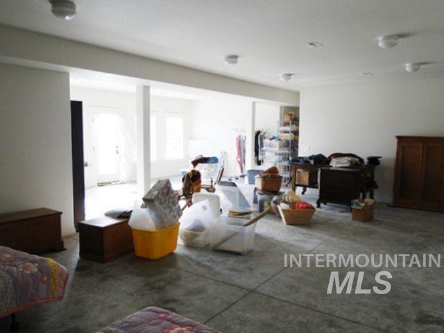 1015 White Pine Flats Property Photo 9