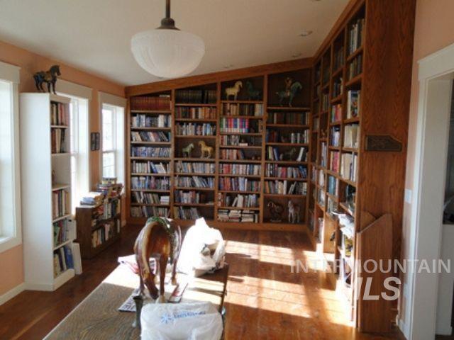 1015 White Pine Flats Property Photo 11