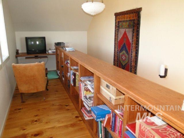 1015 White Pine Flats Property Photo 17
