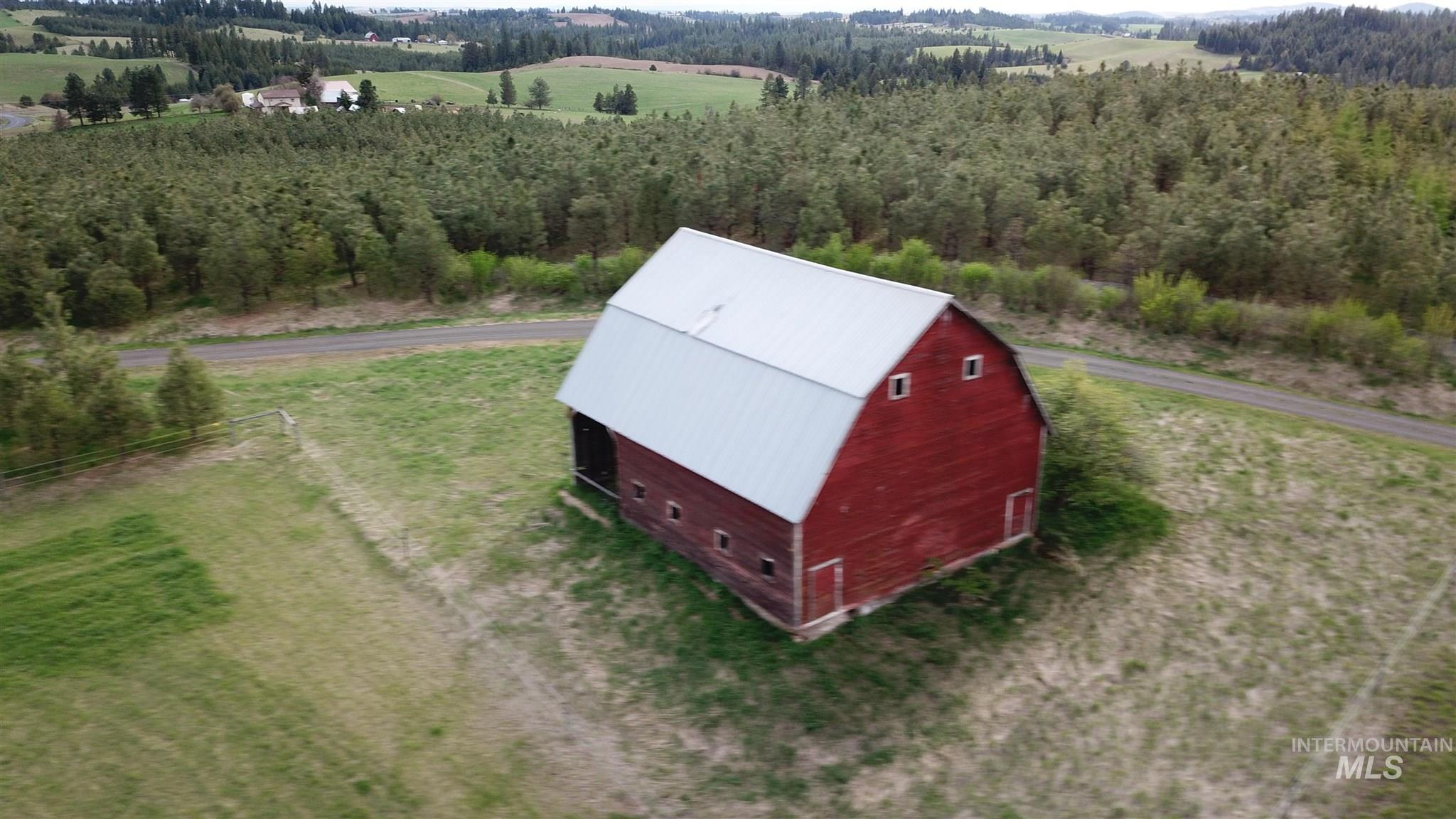 1015 White Pine Flats Property Photo 30