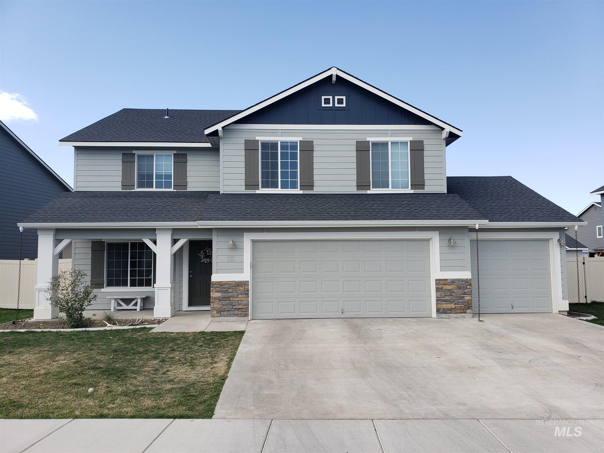 1111 E Yaquina Bay Property Photo - Nampa, ID real estate listing