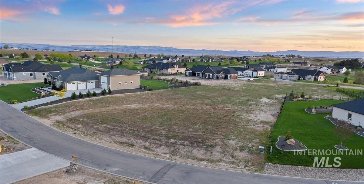 22625 Aura Vista Way Property Photo - Caldwell, ID real estate listing