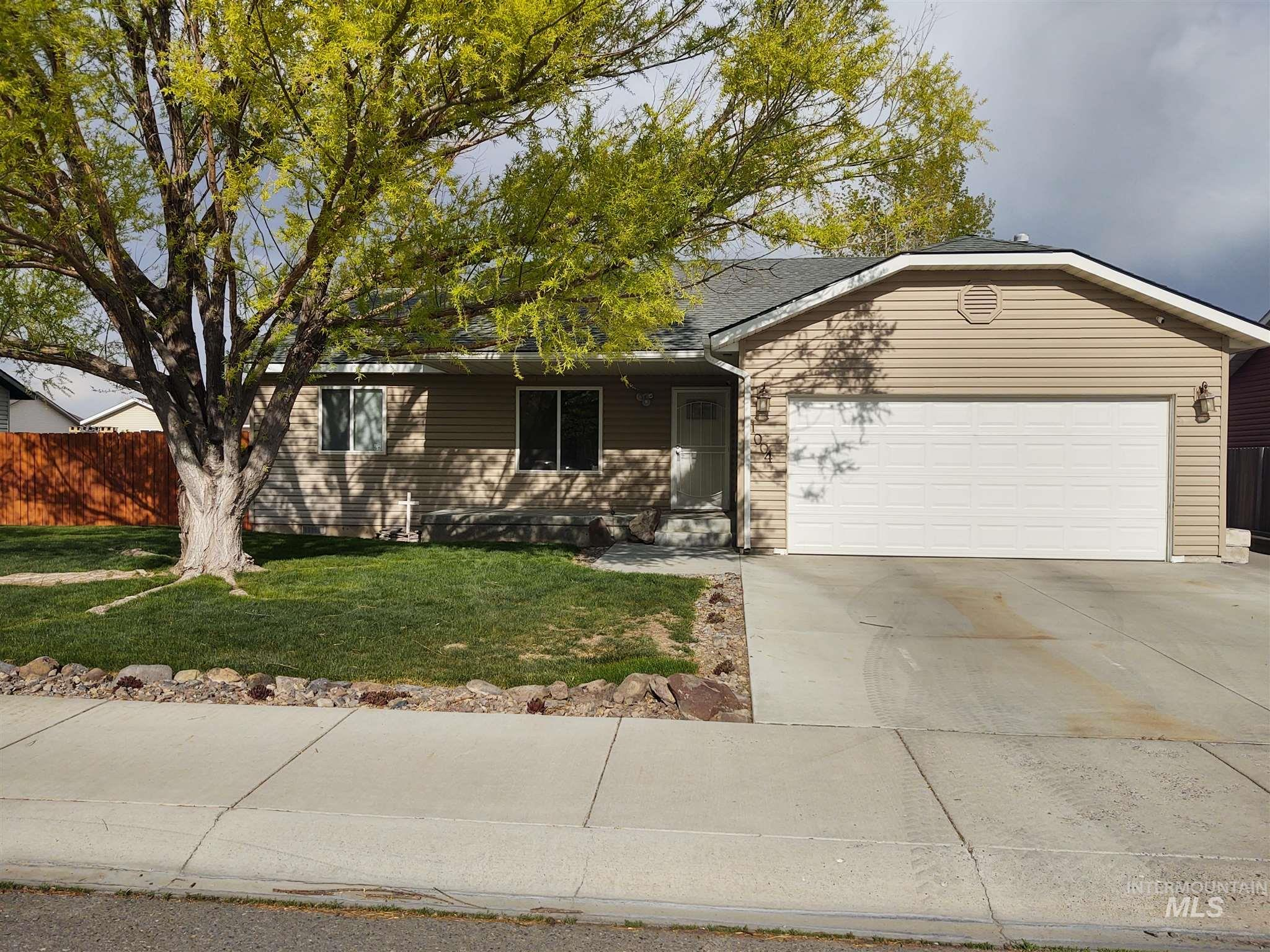 1004 Jacklyne Circle Property Photo - Filer, ID real estate listing