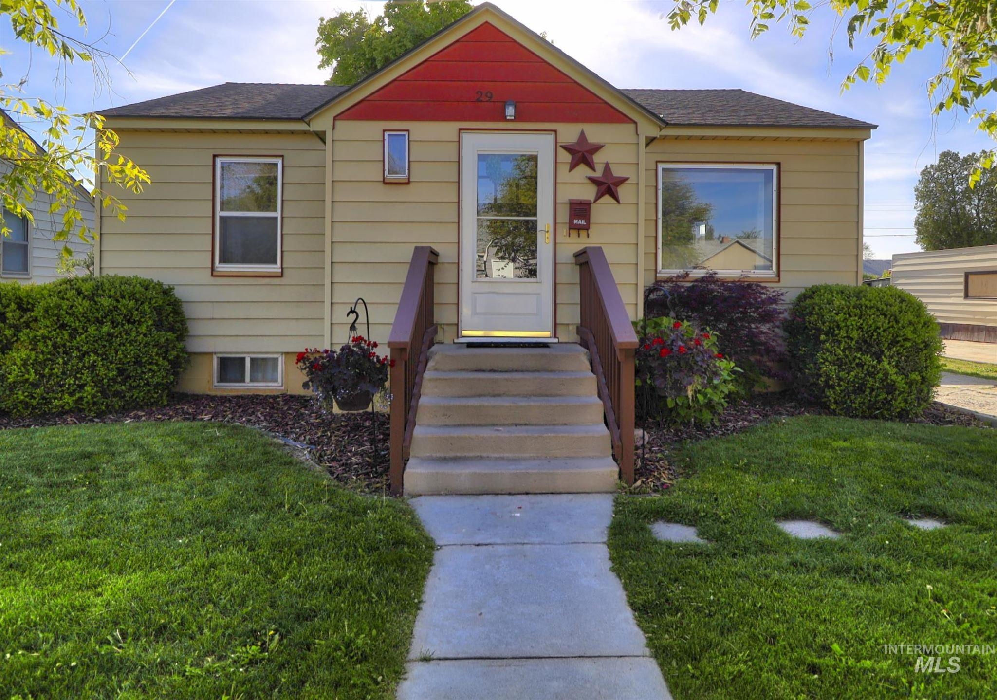 29 N Canyon Street Property Photo - Nampa, ID real estate listing